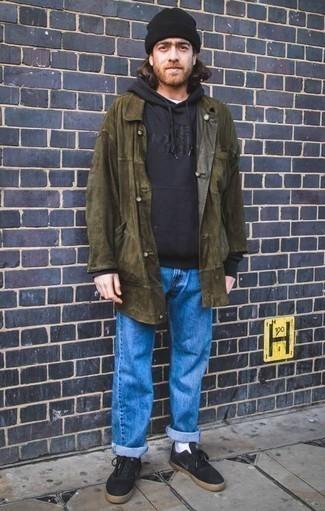 Comment porter un imperméable olive: Pour une tenue de tous les jours pleine de caractère et de personnalité associe un imperméable olive avec un jean bleu. Une paire de des baskets basses en toile noires est une option avisé pour complèter cette tenue.