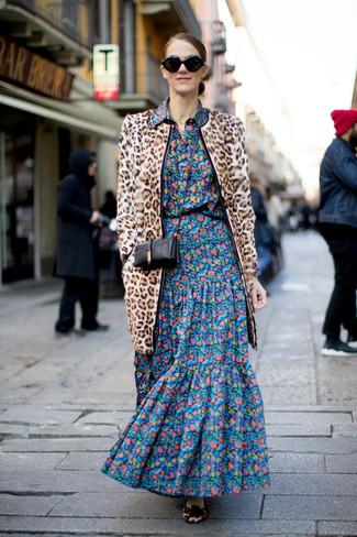 Tenue: Manteau de fourrure imprimé léopard marron clair