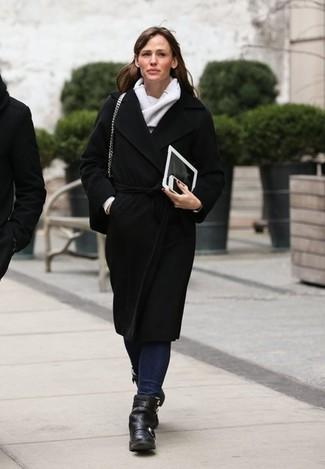 Manteau noir jean bleu marine bottines echarpe large 1442