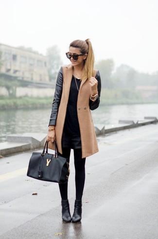 Comment porter un short noir avec des collants noirs (44 tenues ... 11aae5751d0