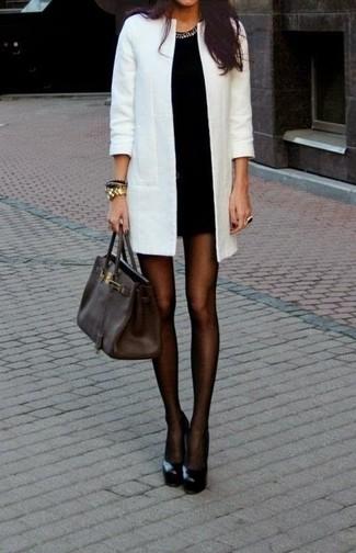 eb4f9cbcd60 Comment porter des collants noirs avec une robe moulante noire (14 ...
