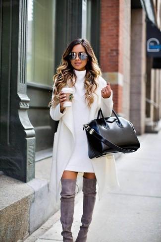 ... Pense à harmoniser un manteau blanc avec une robe-pull blanche pour une  tenue idéale eac0f32f1ce