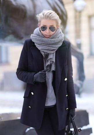Comment porter  manteau noir, t-shirt à manche longue gris, jean skinny 02861a2e63c