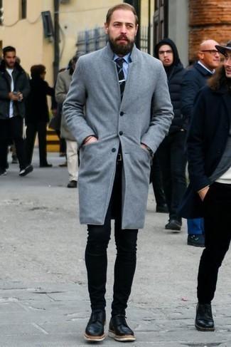 Comment porter un jean skinny noir: Associe un pardessus gris avec un jean skinny noir pour une tenue idéale le week-end. Jouez la carte classique pour les chaussures et termine ce look avec une paire de chaussures derby en cuir noires.