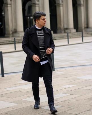 Comment s'habiller quand il fait frais: Perfectionne le look chic et décontracté avec un pardessus noir et un jean noir. Cet ensemble est parfait avec une paire de bottes de loisirs en cuir noires.