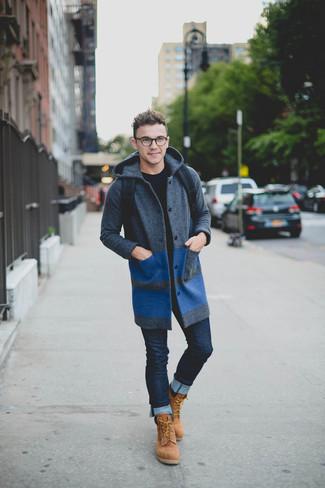 Pour créer une tenue idéale pour un déjeuner entre amis le week-end, essaie d'harmoniser un pull à col rond noir avec un jean skinny bleu marine. Jouez la carte décontractée pour les chaussures et termine ce look avec une paire de des bottes de travail en daim brunes claires.