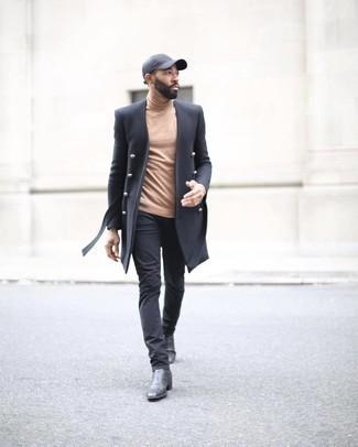 Comment porter une casquette de base-ball gris foncé: Pense à harmoniser un pardessus noir avec une casquette de base-ball gris foncé pour une tenue relax mais stylée. Habille ta tenue avec une paire de bottines chelsea en cuir noires.