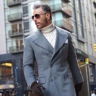 Comment porter: pardessus gris, pull à col roulé en tricot blanc, pochette de costume blanche, gants en daim noirs