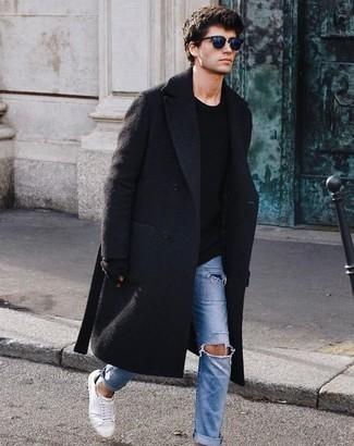 Comment porter des gants: Pour une tenue aussi confortable que ton canapé, essaie de marier un pardessus noir avec des gants. Une paire de des baskets basses en toile blanches est une option parfait pour complèter cette tenue.