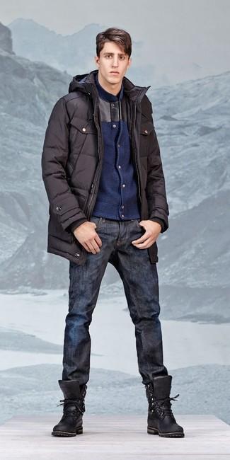 Comment porter: parka noire, blouson aviateur en laine bleu marine, jean bleu marine, bottes de travail en cuir noires