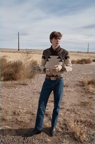 Comment porter: pull à col châle en jacquard marron, jean bleu marine, bottes western en cuir marron foncé, ceinture en cuir marron