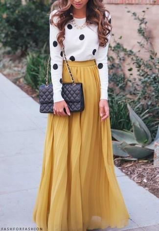 89c7cd28c2b6 Comment porter une jupe longue plissée moutarde (8 tenues)