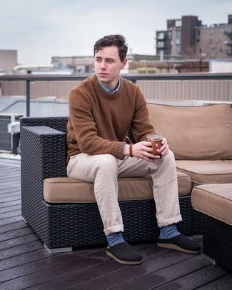 Tendances mode hommes: Pense à opter pour une chemise à manches longues bleu clair pour affronter sans effort les défis que la journée te réserve.