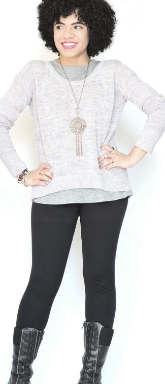 Comment porter un débardeur gris foncé: Pense à marier un débardeur gris foncé avec des leggings noirs pour une tenue idéale le week-end. Une paire de des bottes mi-mollet en cuir noires rendra élégant même le plus décontracté des looks.