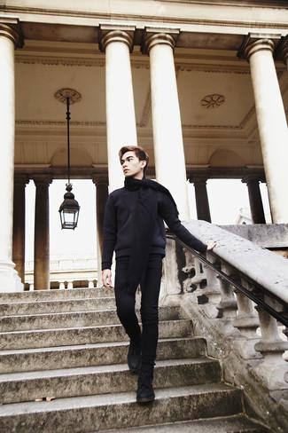Comment porter: pull à col rond noir, jean skinny noir, bottes de loisirs en daim noires, écharpe noire