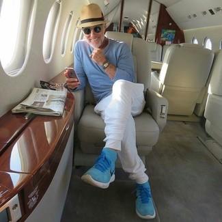 Comment porter: pull à col rond bleu clair, pantalon de jogging blanc, baskets montantes en daim turquoise, chapeau de paille marron clair