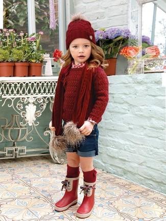 Comment porter: pull rouge, chemise de ville rouge, short bleu marine, bottes de pluie rouges
