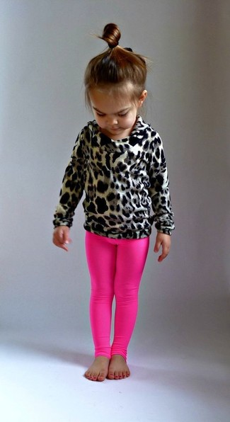 Comment porter: pull imprimé léopard marron clair, leggings fuchsia
