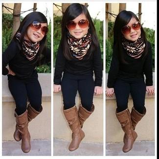 Comment porter: pull noir, leggings noirs, bottes marron
