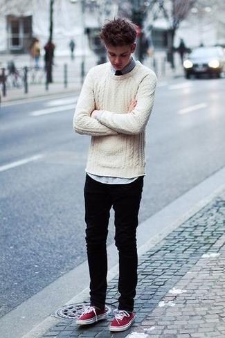 Associer un pull torsadé beige hommes Gant avec un jean noir est une option confortable pour faire des courses en ville. Complète ce look avec une paire de des tennis bordeaux.