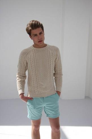 Pense à harmoniser un pull torsadé beige hommes Gant avec un short vert menthe pour obtenir un look relax mais stylé.