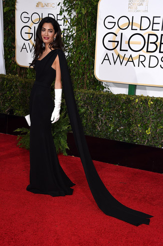 Robe de soiree noire pochette en cuir blanche gants longs blancs large 7571