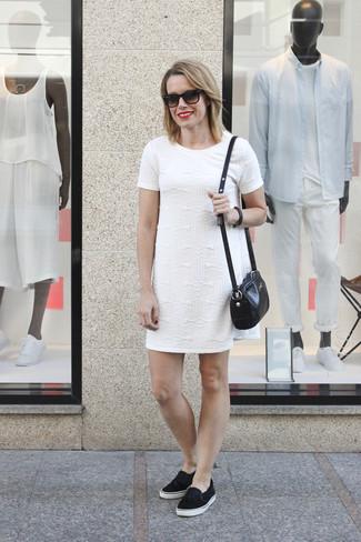 Robe droite blanche classe