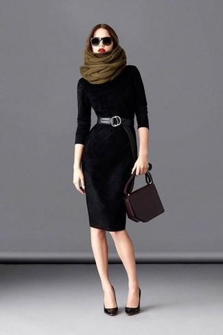 Comment porter: robe fourreau en velours noire, escarpins en cuir noirs, sac bandoulière en cuir marron foncé, ceinture en cuir noire