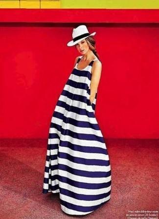 Comment porter une robe longue à rayures horizontales (8