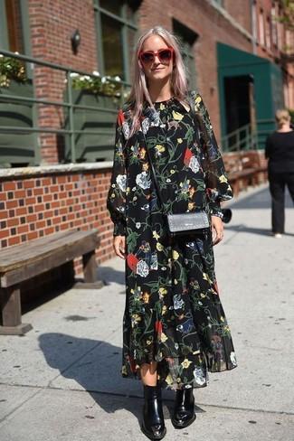 Comment porter: robe longue en chiffon à fleurs noire, bottines en cuir noires, sac bandoulière en cuir noir, lunettes de soleil rouges