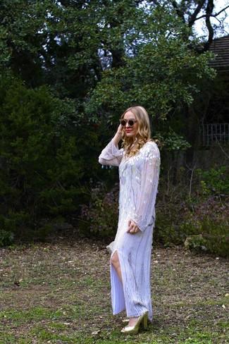 Comment porter: robe longue pailletée argentée, sandales à talons pailletées dorées, lunettes de soleil ornées noir et doré