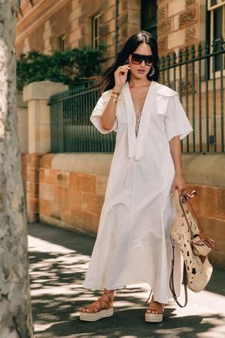 Comment porter: robe midi en lin blanche, sandales spartiates en cuir marron clair, sac fourre-tout de paille beige, lunettes de soleil marron foncé