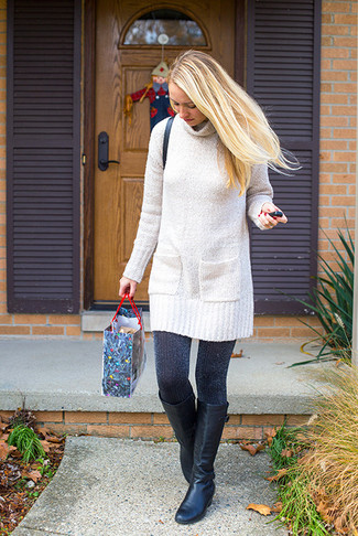 Comment porter une robe: Choisis une robe pour achever un style chic et glamour. Assortis cette tenue avec une paire de des bottes hauteur genou en cuir noires pour afficher ton expertise vestimentaire.