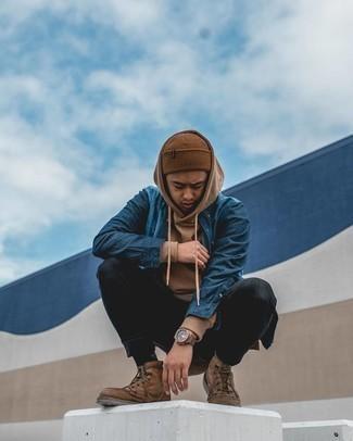 Comment porter un bonnet marron: Pour une tenue aussi confortable que ton canapé, associe un sweat à capuche marron avec un bonnet marron. Jouez la carte classique pour les chaussures et termine ce look avec une paire de bottes de loisirs en cuir marron.