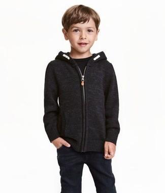 Comment porter: sweat à capuche noir, t-shirt noir, jean noir