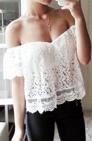 Top à épaules dénudées en dentelle blanc Missguided