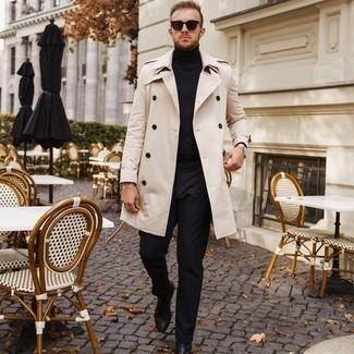 Comment porter des lunettes de soleil marron foncé: Pense à opter pour un trench beige et des lunettes de soleil marron foncé pour un look idéal le week-end. Choisis une paire de bottines chelsea en cuir noires pour afficher ton expertise vestimentaire.