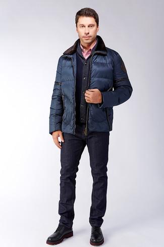 Comment porter: veste à col et boutons matelassée bleu marine, cardigan à col châle bleu marine, chemise de ville en vichy rouge, jean bleu marine