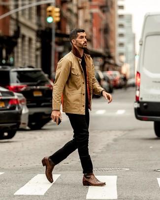 Comment porter: veste à col et boutons marron clair, t-shirt à col rond noir, jean noir, bottes western en cuir marron