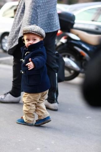 Comment porter: veste bleu marine, pantalon marron clair, bottes bleues