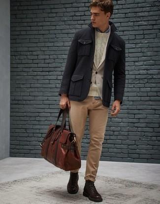 Tendances mode hommes: Pour créer une tenue idéale pour un déjeuner entre amis le week-end, essaie d'harmoniser une veste-chemise en laine noire avec un jean marron clair. Complète ce look avec une paire de des bottes de loisirs en cuir marron foncé.