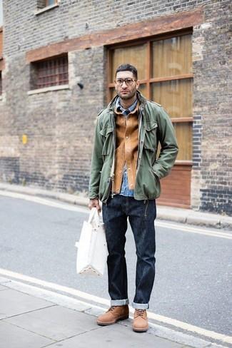 Comment porter: veste-chemise en daim marron clair, veste militaire olive, chemise en jean bleue, jean bleu marine