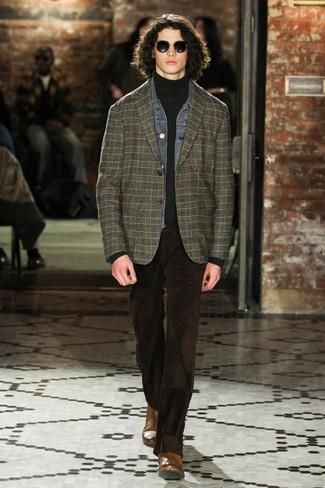 Comment porter: veste en jean grise, blazer écossais vert foncé, pull à col roulé gris foncé, jean en velours côtelé marron foncé