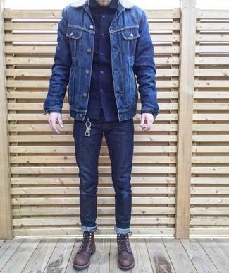 Comment porter: veste en jean bleu marine, chemise à manches longues bleu marine, jean bleu marine, bottes de loisirs en cuir marron foncé