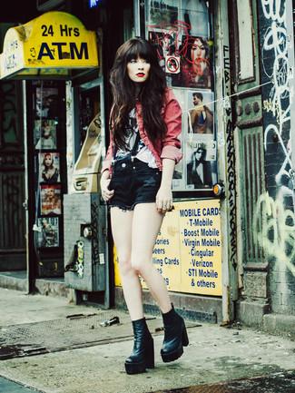Pense à marier une veste en jean rouge avec un short en denim noir pour achever un look chic. Une paire de des bottines en cuir noires ajoutera de l'élégance à un look simple.