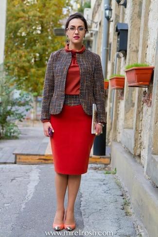 1 Avec Une Porter Fourreau Robe Grise Veste Rouge Comment T7PxqZx