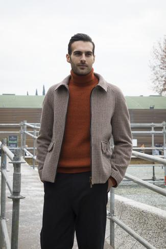 Comment porter un pull à col roulé tabac: Associe un pull à col roulé tabac avec un pantalon chino en laine noir pour obtenir un look relax mais stylé.
