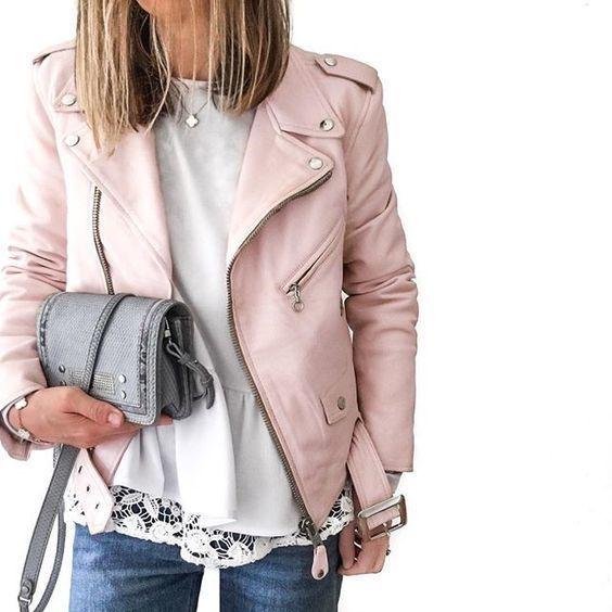 Comment porter une veste en cuir rose