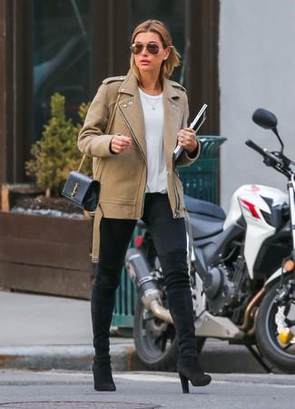Essaie d'harmoniser une veste motard en laine brune claire avec des leggings noirs pour créer un look génial et idéal le week-end. Une paire de des cuissardes en daim noires apportera une esthétique classique à l'ensemble.