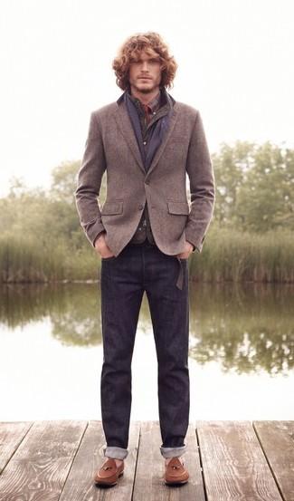 Comment porter: veste sans manches matelassée olive, blazer en laine gris, chemise de ville écossaise bordeaux, chemise à manches longues écossaise bordeaux